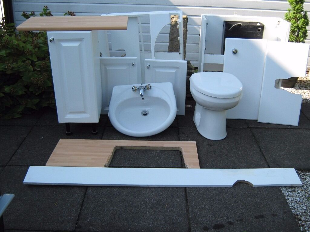 Bathroom Suite - Washbasin, WC and housing units | in Newton Mearns ...