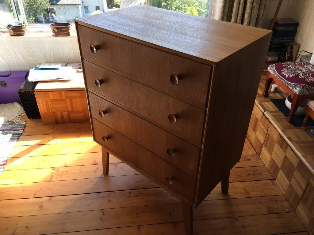 Meredew chest of drawers in excellent con