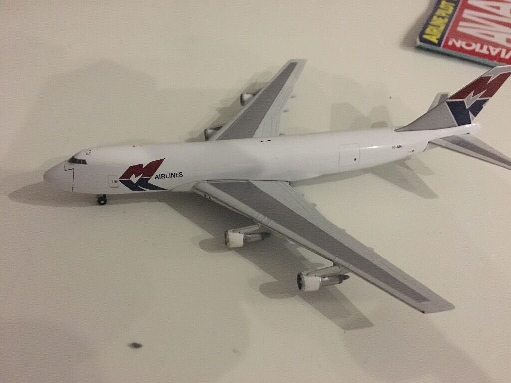 MK Cargo Airlines Boeing 747 1:400 gemini jets (MINT CONDITION)