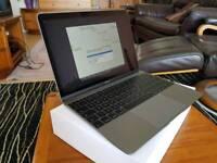New Macbook 1.1Ghz 8GB RAM 256GB SSD