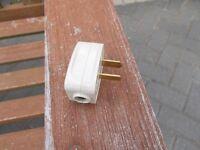 12v 2 pin plug (caravan / motorhome)
