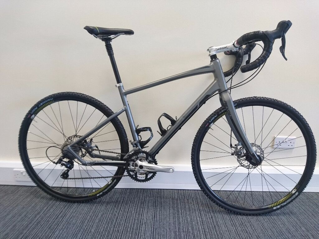 Price Drop Giant Revolt Gravel Bike For Sale Deore Sora