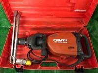 Hilti TE 1000 AVR Heavy Duty Concrete Breaker 110v Plus New Chisels