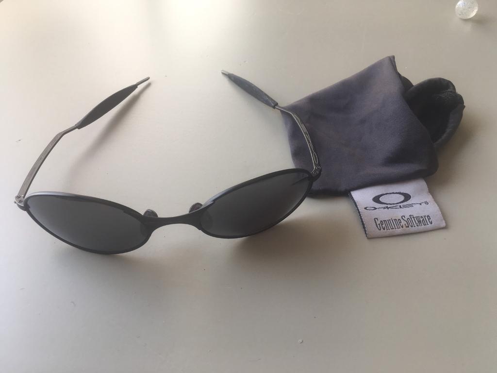 e5eabab622 Vintage Oakley e wire sunglasses