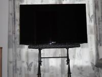 40 INCH SONY 3D TV AND SONY 3D BLU- RAY PLAYER