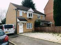 3 Bed semi detached house to rent just off Biscot road close to town £1150 pm