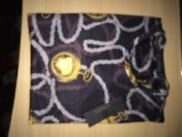 TOP QUALITY MENS VERSACE VE BLACK AND GOLD TOP / TSHIRT . (Only one avaiblbe )