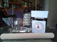 Mixed kitchen set