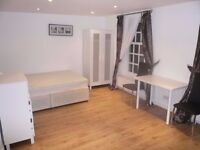Looking for a clean person to move in ASAP! Haggerston.