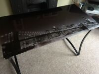 Brooklyn glass top computer table excellent condition (h75cmXl110cmXw55cm)