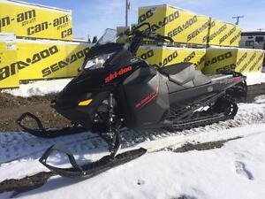 2016 Ski-Doo Summit SP 146 800R E-Tec Pull Start
