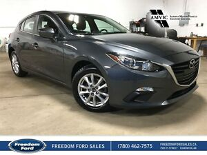 2014 Mazda Mazda3 | Backup Camera, Heated Seats, Navigation
