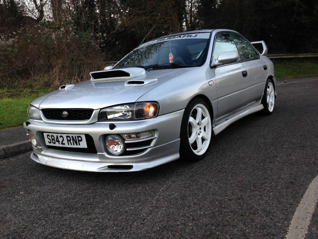 1998 subaru impreza turbo 2000 awd silver loads of extras in high wycombe buckinghamshire. Black Bedroom Furniture Sets. Home Design Ideas