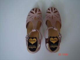 Swedish Hasbeens Lacy Clogs Size 4 - Blush Pink Leather - Brand New, Never Worn