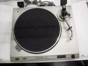 Realistic Turntable. We Buy and Sell Used Home Audio Equipment. 113886