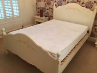 ORNATE DOUBLE BED WITH MATRESS
