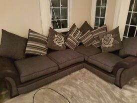 6 Months old L shaped sofa brand new condition.