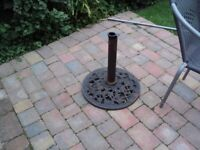 Large parasol base heavy cast iron very ornate