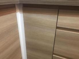 Kitchen wall unit and door