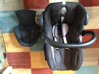 Maxicosi Cabriofix car seat and isofix base