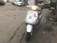 PIAGGIO VESPA ET4 silver 125cc hpi clear!!