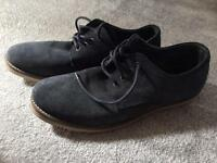 Men's Howick size 10 dark blue shoes