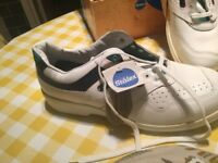 White steel toe cap safety trainers size 10