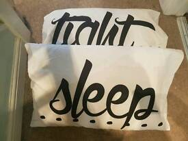 2 pillowcase with pillows inside