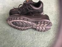 Ladies protected work boots size 5