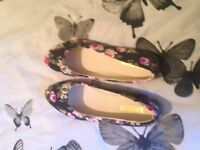 Flower patterned shoes size 6