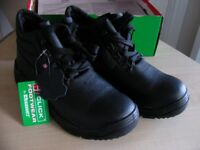 CLICK LEATHER SAFETY WORK BOOTS SHOES CDDMSBL 06 CHUKKA M-SOLE BLK UK 6 EUR 39