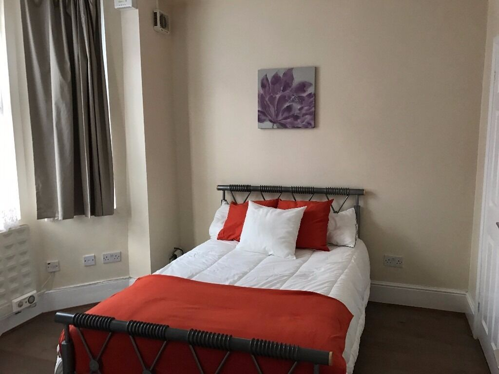Double Studio Room - Plumstead - all bills incl except electric fully furnished GREAT LOCATION