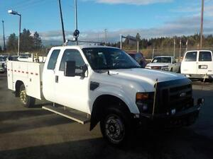 2009 Ford F-350 SD Service Box Truck XL  SuperCab Long Bed 4WD