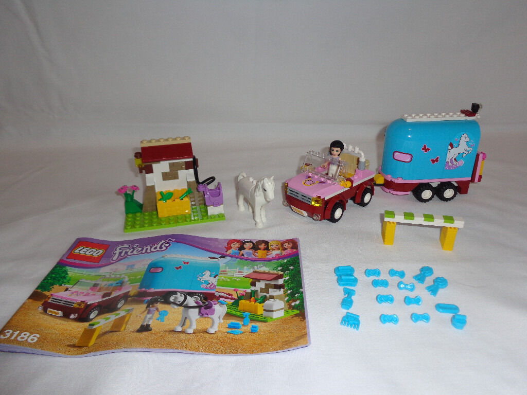 Lego friends Emma's horse trailer - 100% complete with instruction manual - Ideal Christmas present