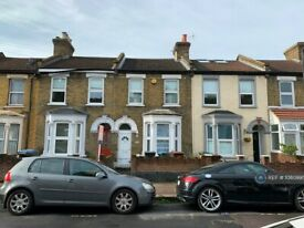 3 bedroom house in Cheneys Road, London, E11 (3 bed) (#1080995)