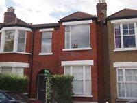 A 3 bed maisonette to rent in Leslie Road, East Finchley N2 £1885pcm