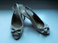 Beautful comfy posh sandles,size 8 lotus sandles in oyster,worn once for a wedding