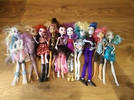 monster high bundle 5 as seen collect Stonehaven, might be able to meet beach area on Sat morning
