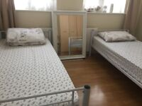 DOUBLE ROOM SHARE JUST 1 MINUTE WALK FROM KINGSBURY TUBE STATION