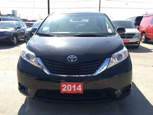 2014 Toyota Sienna LE/MASSIVE CLEAROUT!/PRICED FOR AN IMMEDIATE  Kitchener / Waterloo Kitchener Area image 11