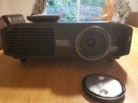 Projector Panasonic PTAT 6000e full hd 3d