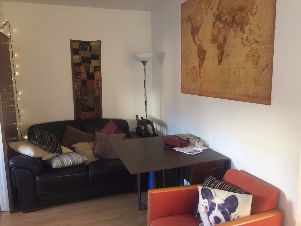 ** ALL BILLS INCLUDED ** SPACIOUS SINGLE ROOM AVAILABLE IN WAPPING / ALDGATE / E1 8GR