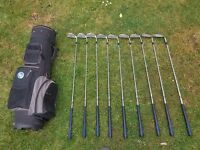 Golf bag with set of Irons. Brand 'HOWSON'.