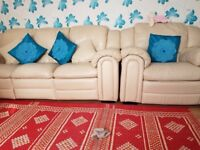 Leather cream 3,2&1 arm chair excellent condition for sale