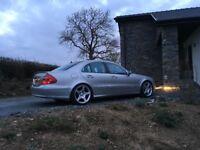 """Mercedes E500 Avantgarde, 5.0 V8, 19"""" AMG wheels"""