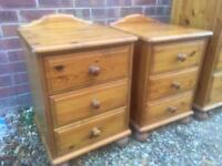 2 solid pine bedside tables. Dovetail Joints. T