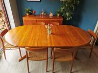 Stunning Danish Mid Century Extendable Dining Table by Glostrup Mobelfabrik - Vintage Retro