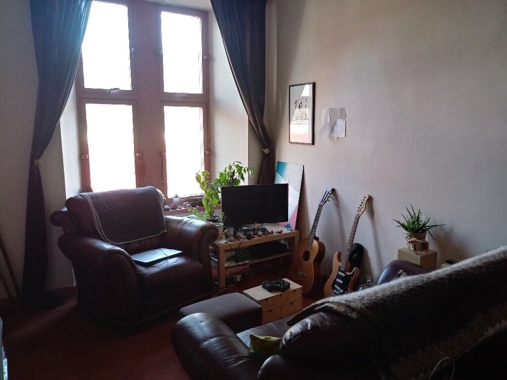 1 bed and Small box rm flat to rent