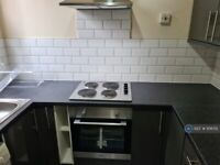 2 bedroom flat in Seymour Grove, Manchester, M16 (2 bed) (#1106712)