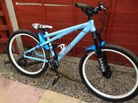 Gt chucker xs2 dirt jump bike